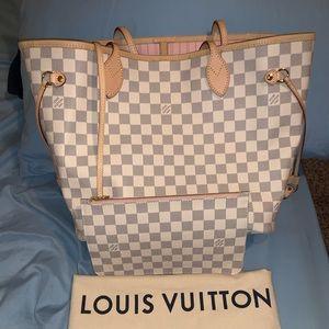 Authentic Louis Vuitton Neverfull Azur MM